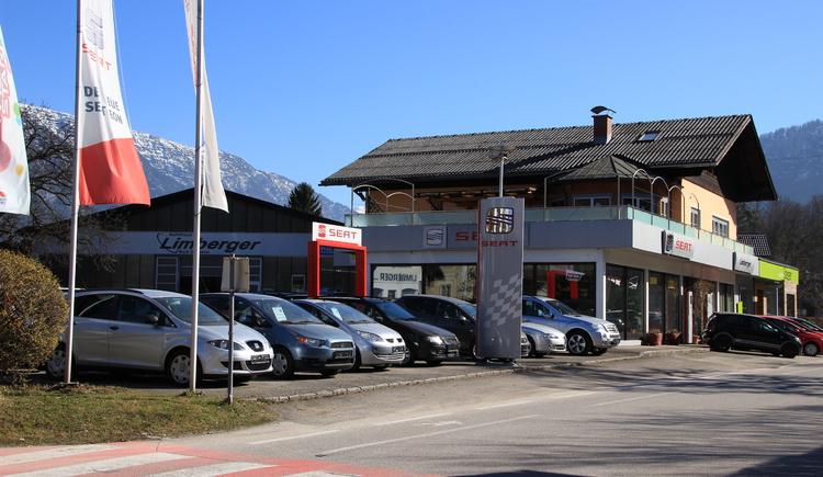 Vorderansicht des Autohauses Limberger in Bad Goisern am Hallstättersee ihr Spezialist für die Marken Mitsubishi und Hyundai. (© Ferienregion Dachstein Salzkammergut, C. Unterberger)