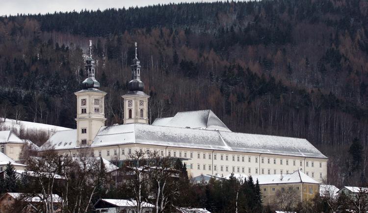 Stift Schlierbach im Winter (© Foto: K. Mitterhauser)