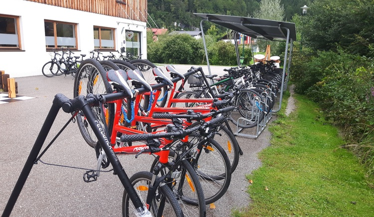 The holiday resort Obertraun offers you a bike rental powered by  sportshop Feuerer KG