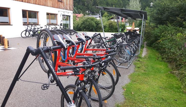 Das Feriendorf Obertraun bietet Ihnen einen Radverleih des Sportgeschäftes Feuerer KG. (© Fritz Feuerer)