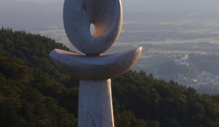 Skulptur westseite nockstein (© Tvb Koppl)