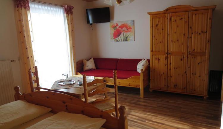 Dreibettzimmer (2) (© Alexandra Oberascher)