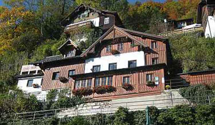 House Gummerer on the upper way with a direct view to the lake Hallstatt
