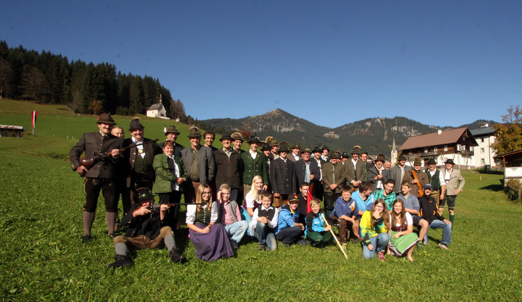 Group picture of the shooting association Gosau