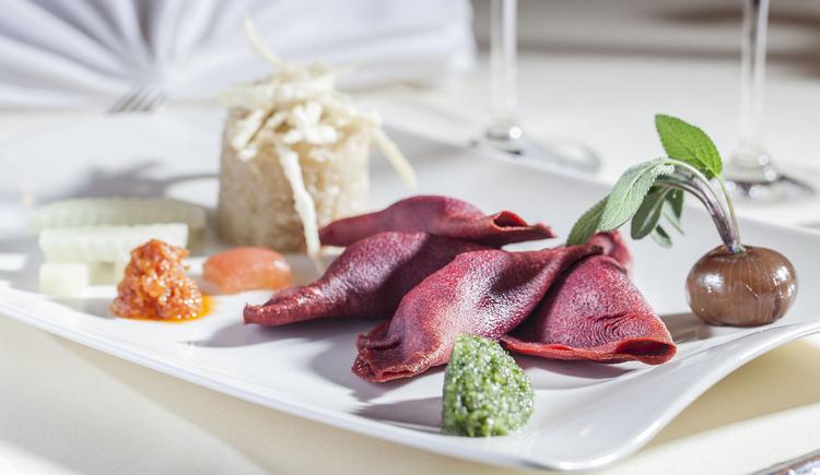 Beim Restaurant des Landhotel Agathawirt gibt es neben bodenständigen Gerichten auch Speisen zum genießen und schlemmen. (© Agathawirt)