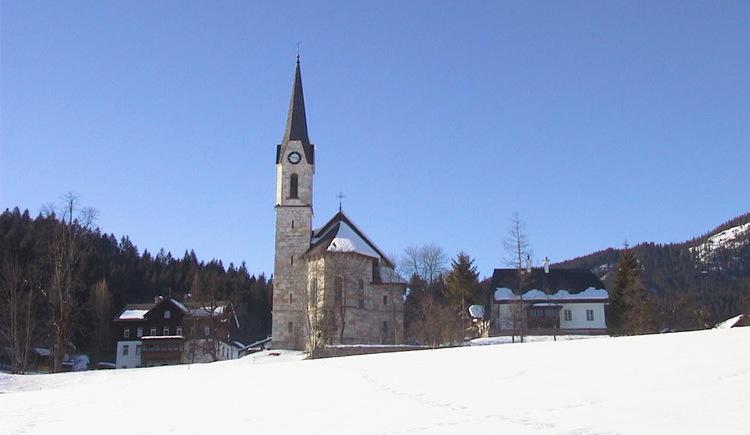 Die evangelische Kirche im Winter. (© Ferienregion Dachstein Salzkammergut)