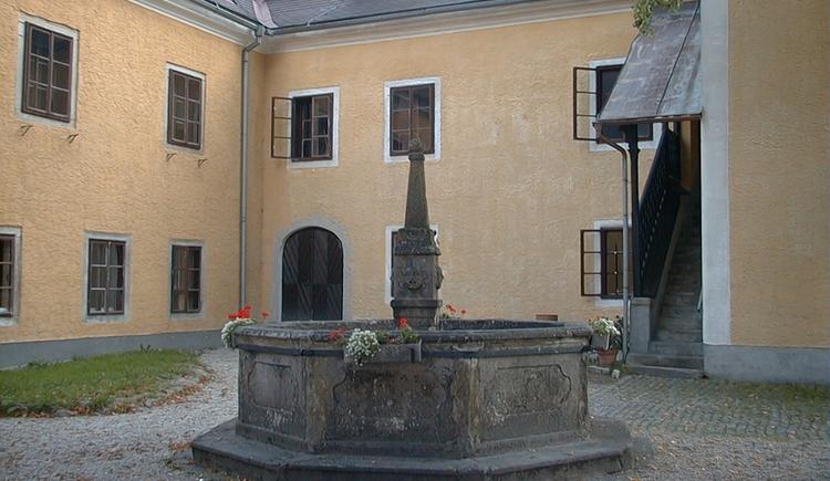 Schloss Waxenberg