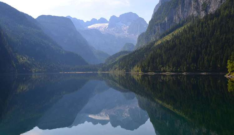 Lake Gosausee with the Dachstein in the back
