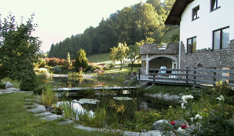 The Primusbergerhof is quietly located at the edge of the forest and is ideal for families
