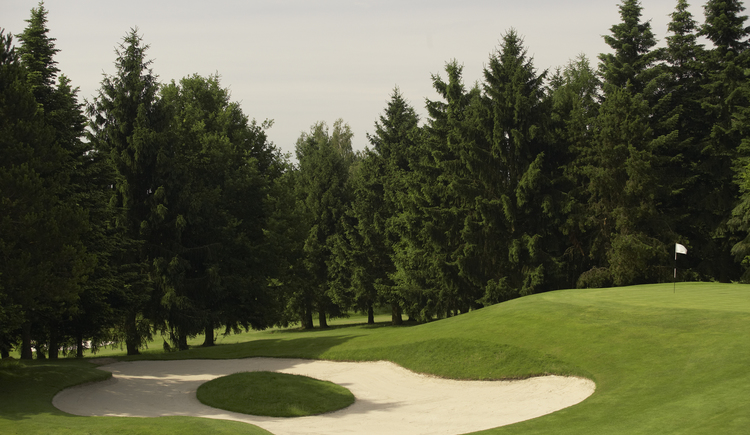 Hole 12 (© Leading Golf Courses / www.severnimages.com)