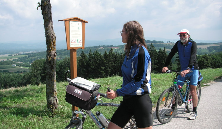 Radfahrer im Naturpark Obst-Hügel-Land