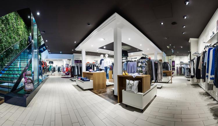 Damenabteilung. (© Fischer Mode und Textil GmbH)