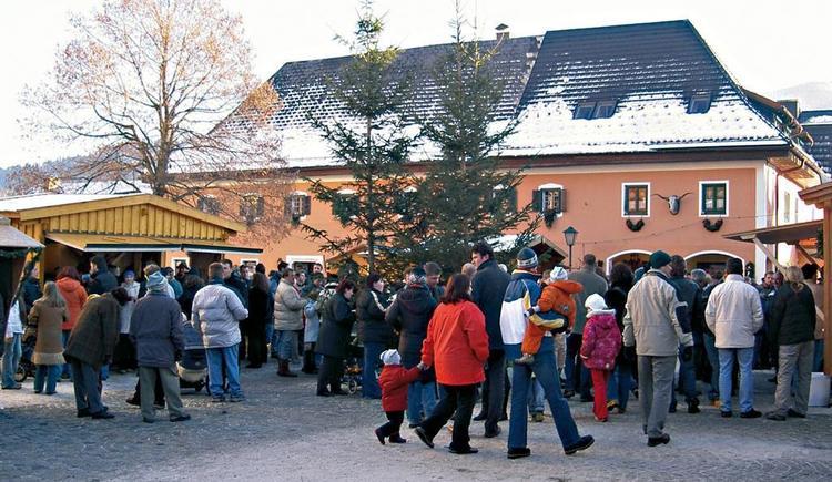 Romantischer Dorfplatz (© MG Scharnstein)
