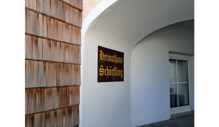 Eingang zum Heimathaus. (© Gabriela Hilz)