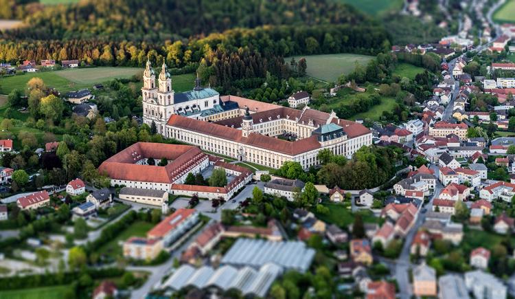 Das Stift St. Florian aus der Luft. (© Stift St. Florian/Kerschbaummayr)