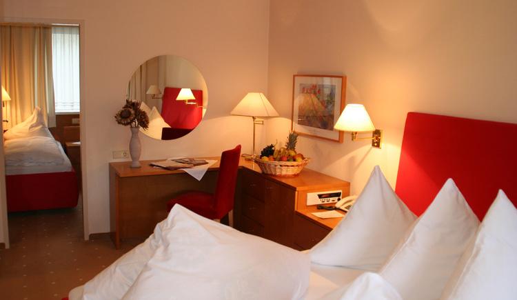 Suite mit Kinderzimmer (© Furian)