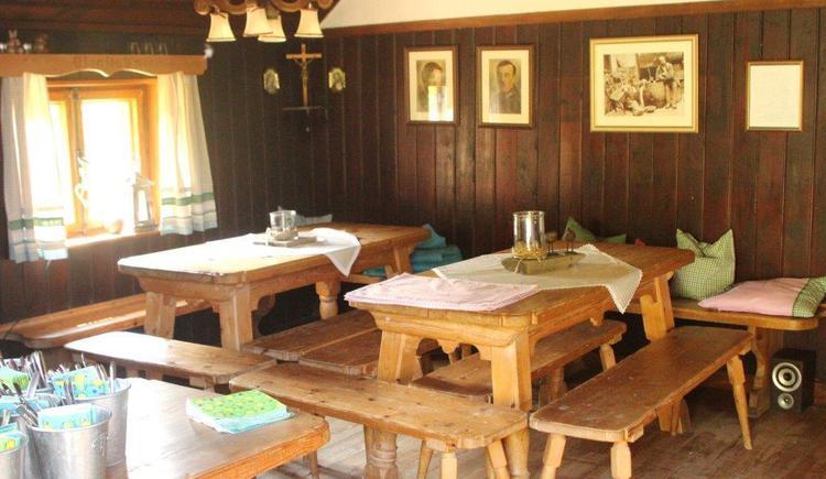 Lärchenhütte auf der Sausteigalm. (© Frimbichler TVB Hof)