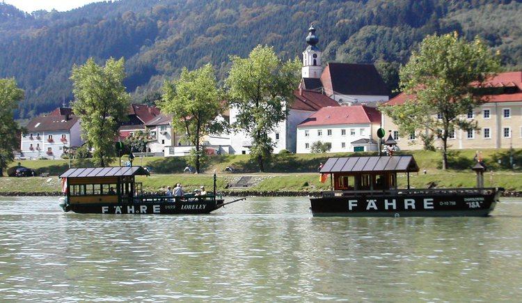 Engelhartszell, Donau, F\u00e4hre, Walken