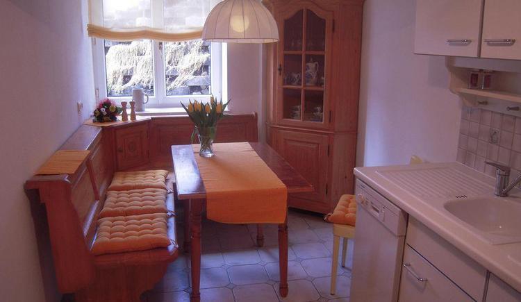 Küche mit Bauernsitzecke