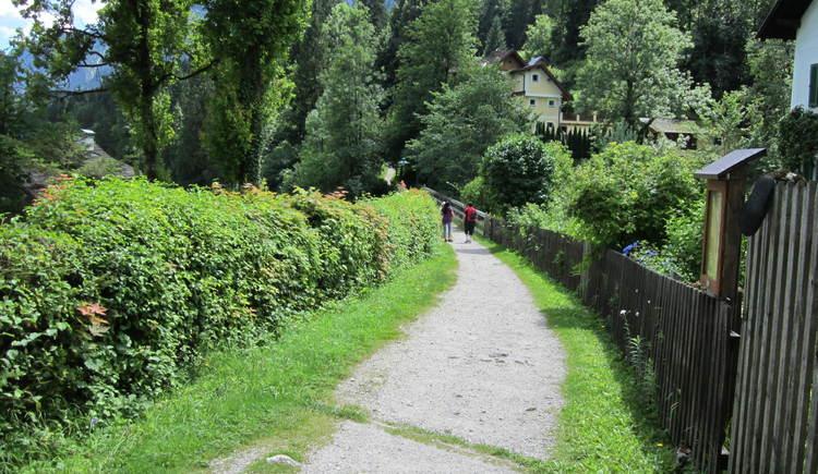 Der Soleleitung Wanderweg führt von Bad Goisern nach Hallstatt