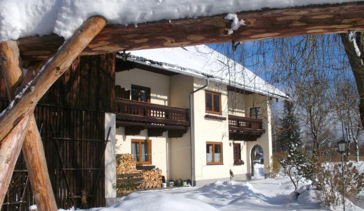 Winterhausansicht vom Mooshäusl