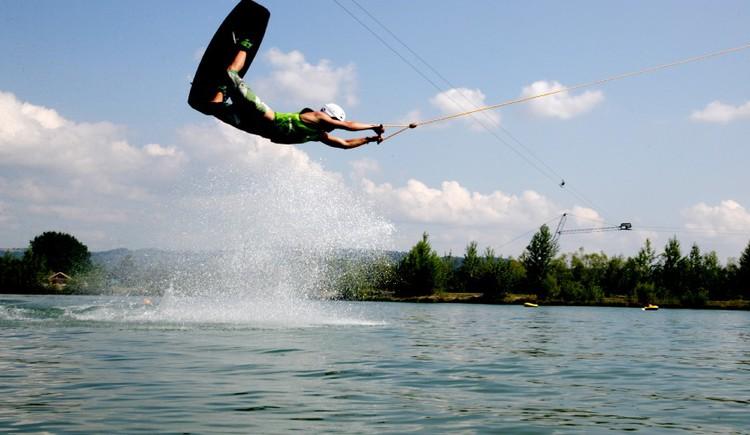 Jetlake - Wasserski, Wakeboard am Wasserskilift Feldkirchen/D.