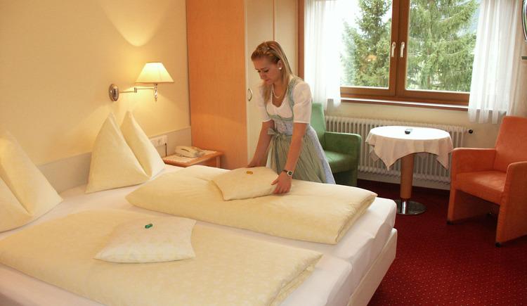 Die Zimmer im Hotel Gosauerhof sind geschmackvoll eingerichtet.