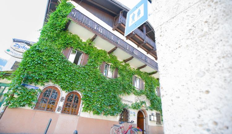 Der Gasthof Hotel Moserwirt befindet sich im Herzen von Bad Goisern. (© Moserwirt)