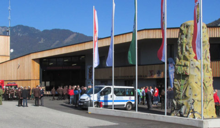 The new security center, headquarters of the fire brigade, mountain rescue and water rescue in Bad Goisern was ceremoniously opened.
