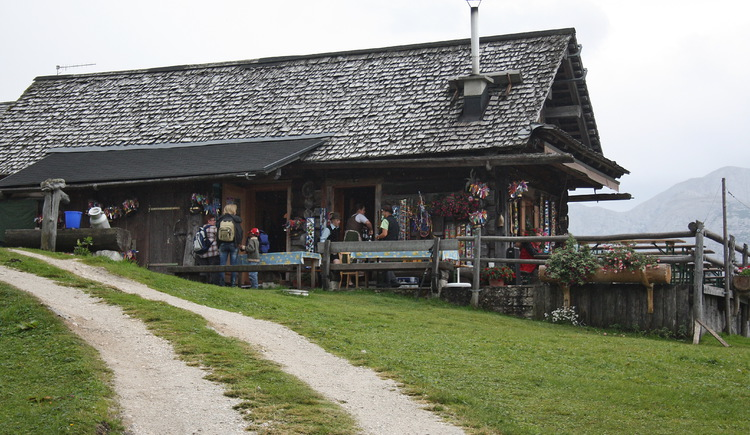 Leutgeb hut at the Plankensteinalm. (© Elisabeth Grill)