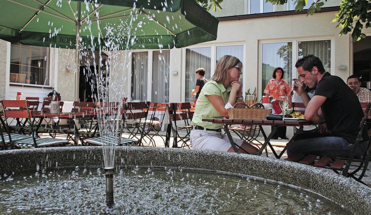 Gastgarten im Restaurant Bauböck's (© Elisabeth Poringer)
