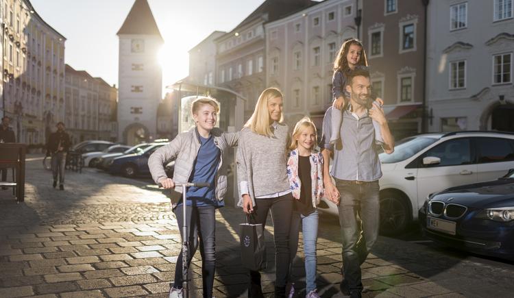 wels_ledererturm_familie (© Tourismusregion Wels)