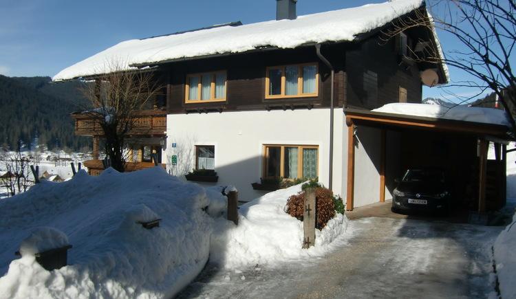 Hauszufahrt Gästehaus Schmaranzer (© Andrea Schmaranzer)