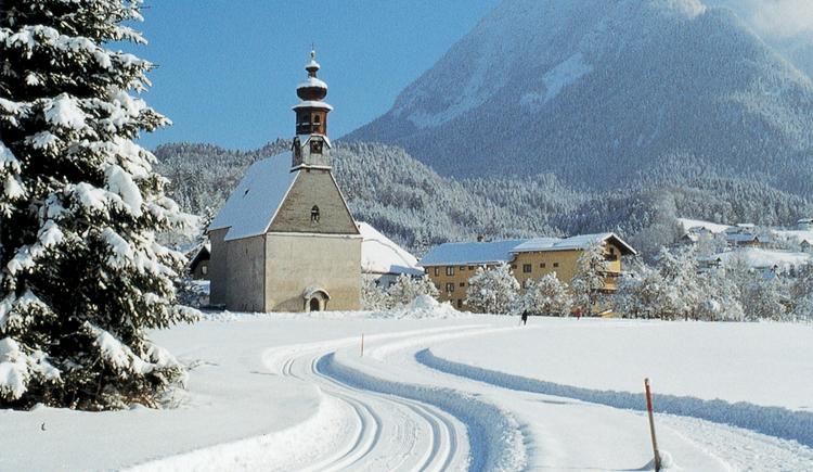 Nutzen Sie die kostenlose Langlaufloipe direkt beim Agathawirt in Bad Goisern. (© Landhotel Agathawirt)