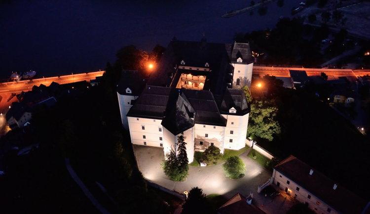 Schloss Greinburg bei Nacht
