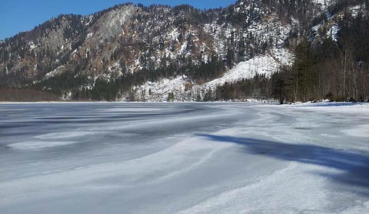 Offensee im Winter2 (© Tourismusbüro Ebensee)