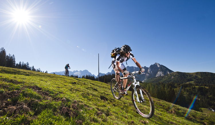 The holiday region Dachstein-Salzkammergut offers a versatile offer for mountain biking with a fantastic panorama.
