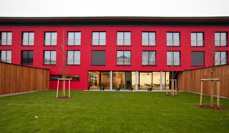 Hotel Garni Wallern Gartenansicht