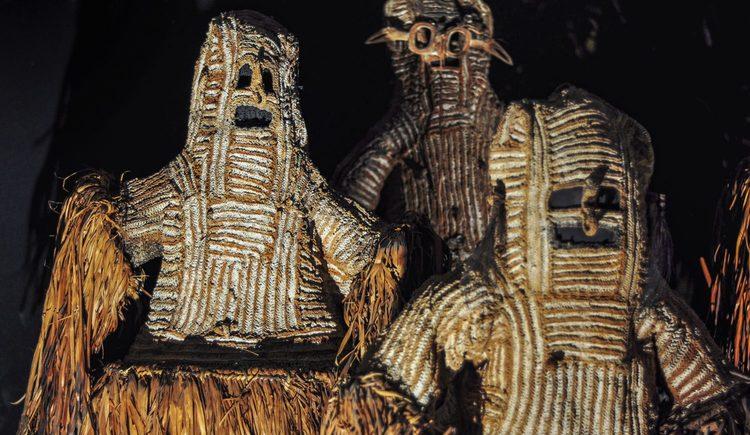 Masken des Ahnenkultes der Asmat auf Neuguinea