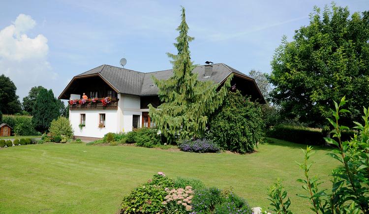 Schießl's Gästehof Außenansicht Garten