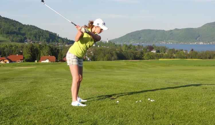 Abschlag beim Golfclub am Attersee (© Golfclub am Attersee)