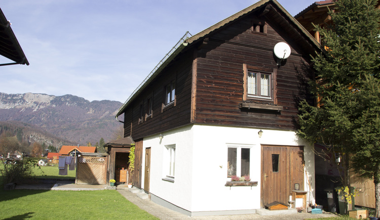 The apartment is located very centrally in Bad Goisern and can accommodate 2-4 people