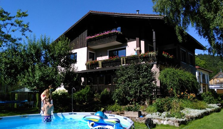 The holiday home Hinterer offers 4 apartments for 2 - 8 persons