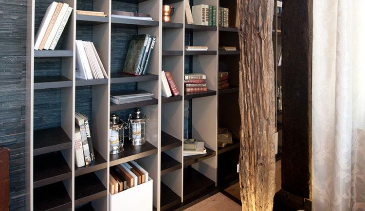 Bücherregal - BAM.wohnen GmbH (© BAM.wohnen GmbH)