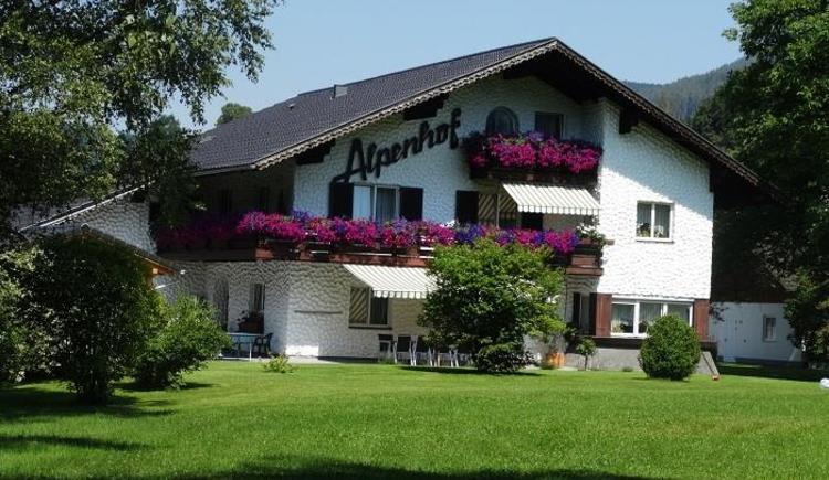 Haus mit Liegewiese (© Pfingstmann)