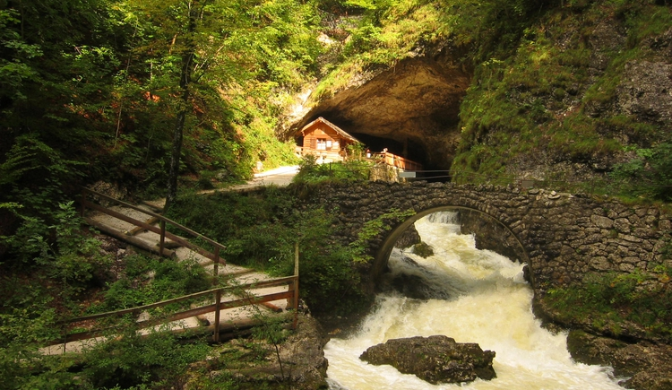 entrance with the charming Koppentraun river. (© Seilbahnholding)