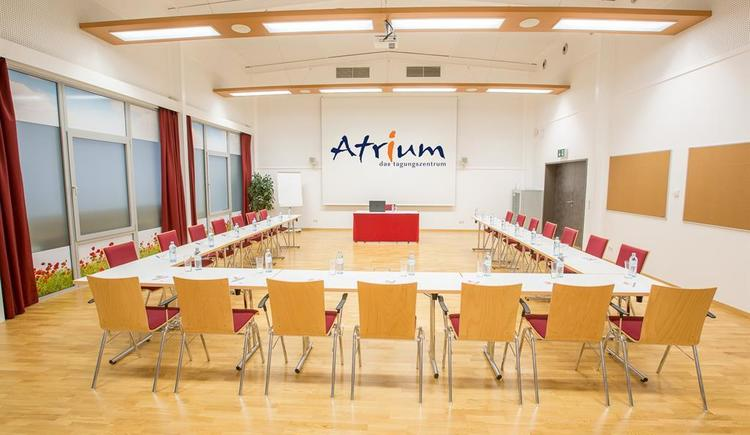 Seminarraum Feuer U-Form