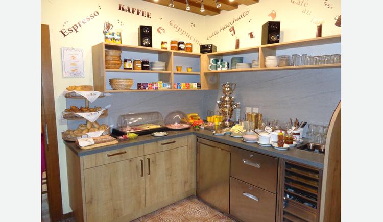 Blick auf das Frühstücksbuffet - Küche