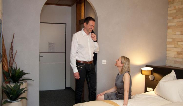 Gäste im Hotelzimmer - Hotel Blumauer
