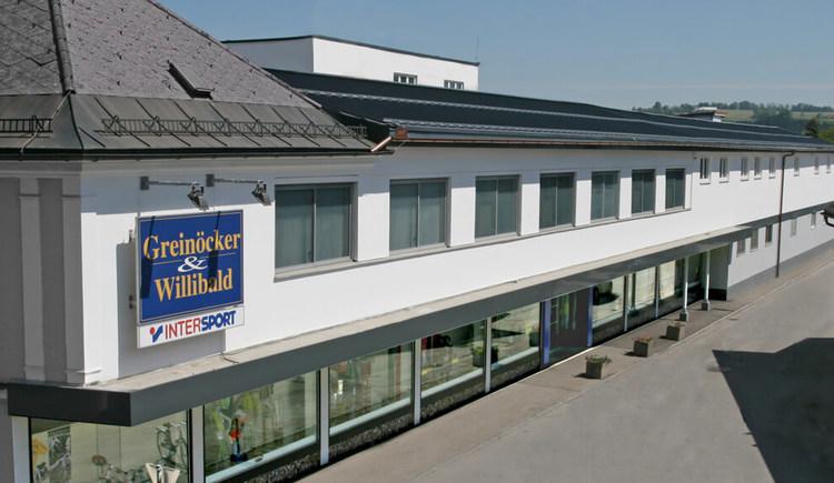 Aussenansicht Greinoecker & Willibald im Ort Voecklamarkt. (© Greinoecker & Willibald)